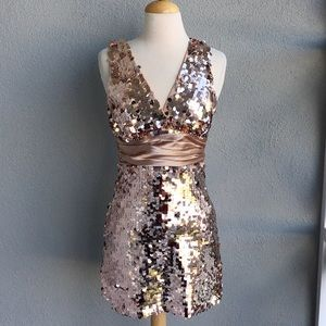 🆕 FOREVER XXI Gold Sequin Party Dress Size M